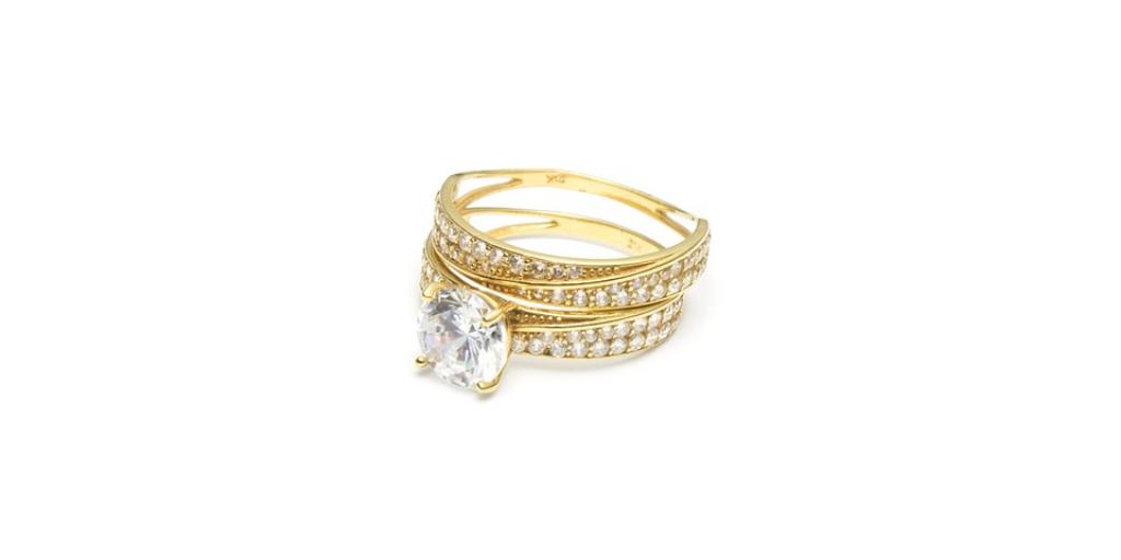 ac3b9e9901066 Metale szlachetne najczęściej stosowane do wyrobu biżuterii to platyna,  złoto i srebro.